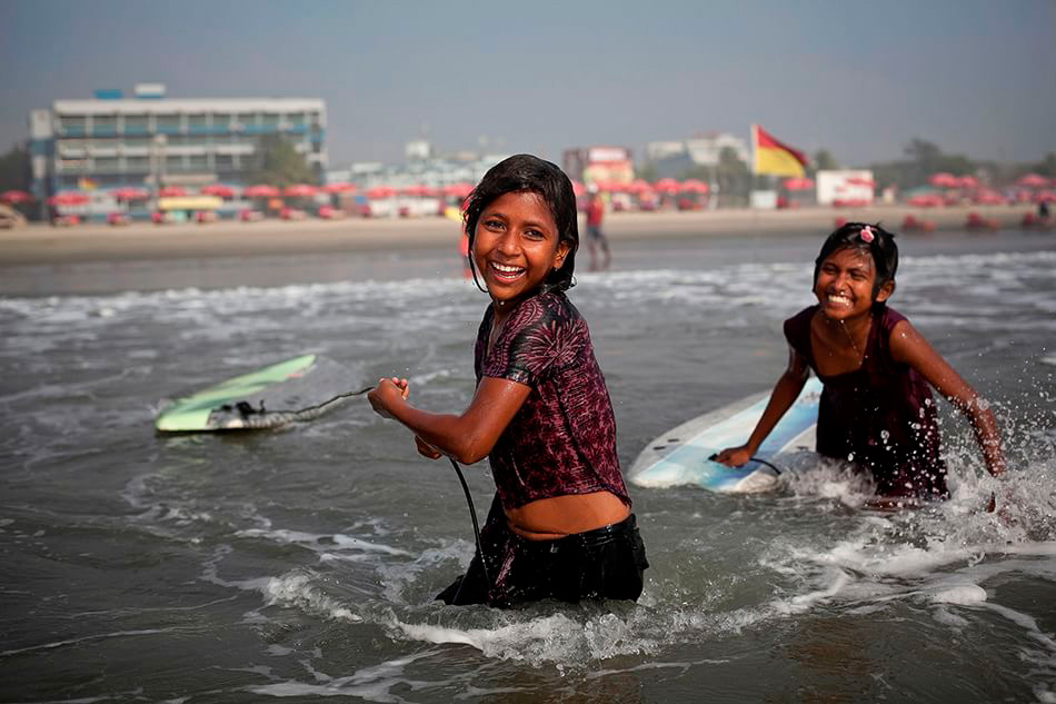 bangladesh-surf-girl